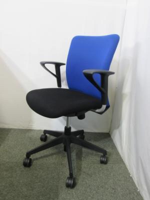 LN 300KF 愛知にて、オフィス家具 トヨスチール 肘付ルナークチェアを買い取りいたしました。