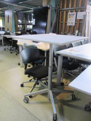 MT 501 三重にて、オフィス家具 コクヨ ビューライズテーブル MT 501を買取いたしました。