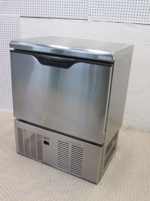DRI 45LME 三重にて、厨房機器、大和冷機工業 45kg製氷機を買取いたしました。