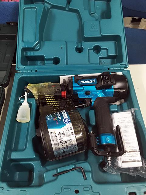 AN932HW 三重にて、工具 マキタ 90mm高圧エア釘打機AN932HWを買い取りいたしました。