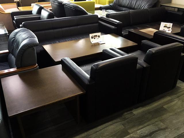 RS 23N 三重にて、オフィス家具 応接セットをまとめて買取致しました。