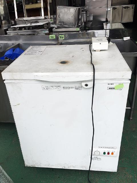 SCR RH13V 愛知にて、厨房機器、サンヨー ワイドタイプチェストフリーザーSCR RH13Vを買取いたしました。
