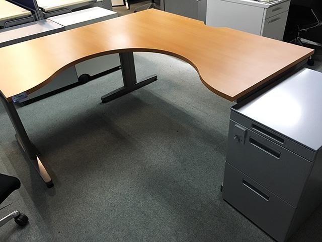 kokuyo Ldesk 三重にて、オフィス家具 コクヨ  L型デスク・ワゴンをまとめて買取致しました。