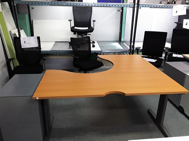kokuyo Ldesk 2 三重にて、オフィス家具 コクヨ  L型デスク・ワゴンをまとめて買取致しました。