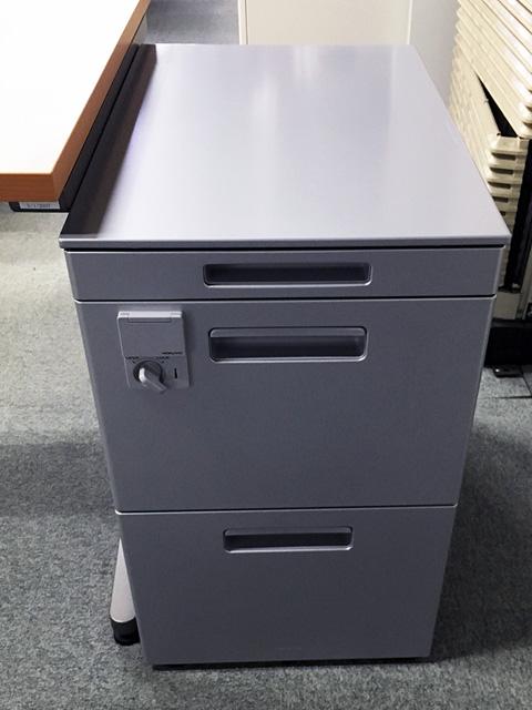 kokuyo wagon 三重にて、オフィス家具 コクヨ  L型デスク・ワゴンをまとめて買取致しました。