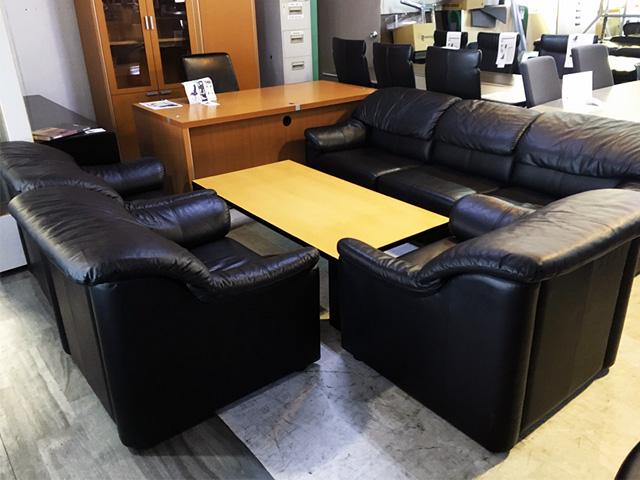 ousetu 三重にて、オフィス家具 応接セットをまとめて買取致しました。