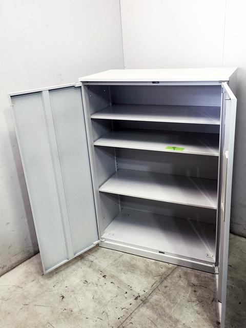 5 820 5402 2 愛知にて、オフィス家具 ウチダ 両開き書庫ハイパーストレージシリーズ ホワイトを買取致しました。