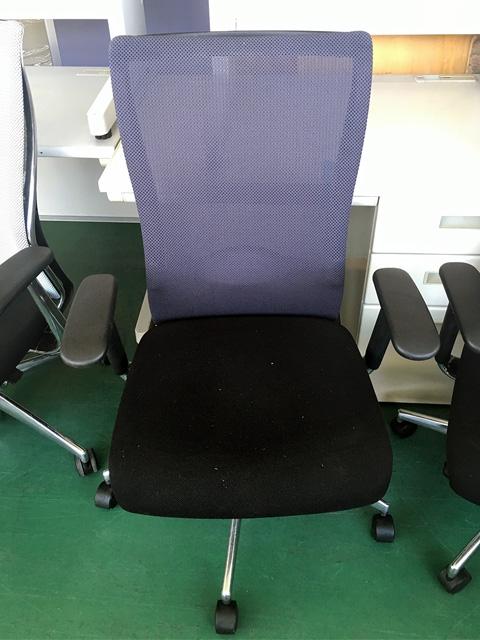 CR G1420 darkgray 三重にて、オフィス家具 コクヨフォスターチェアを複数買取致しました。