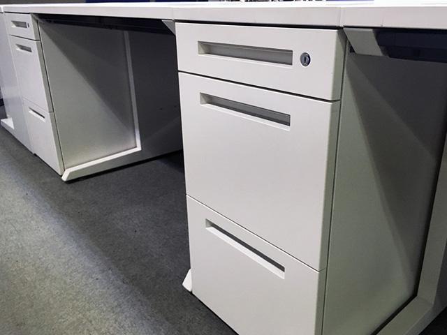 CZR wakitukue desk 三重にて、オフィス家具 イトーキ CZRシリーズデスクをまとめて買取致しました。