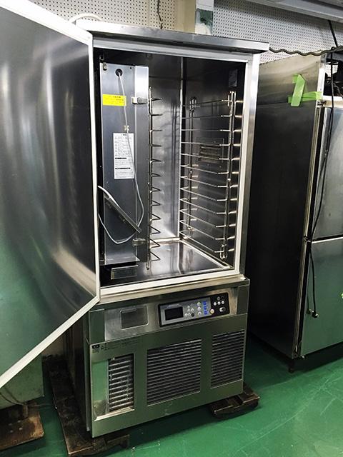 HBC 12A3 2 岐阜にて、厨房機器、ホシザキブラストチラー&ショックフリーザーHBC 12A3を買い取りを行いました。