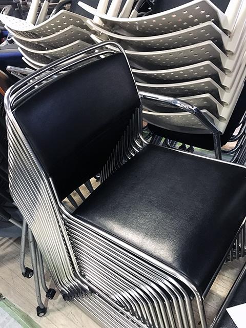 meeting chair black69 愛知にて、オフィス家具、ミーティングチェアをまとめて多数買い取りいたしました。