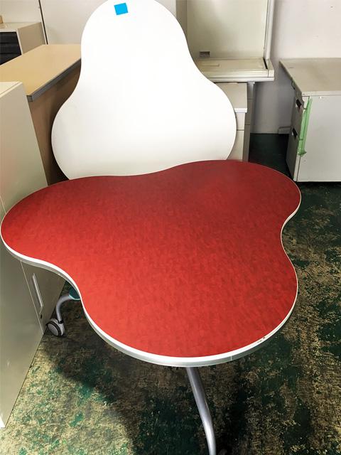 TSEP 703W9N 2 愛知にて、オフィス家具 イトーキミーティングテーブルバイオテーブルをまとめて買取致しました。