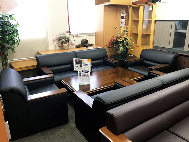 okamura S30 2 三重にて、オフィス家具 オカムラ 応接セットS30をまとめて買取致しました。