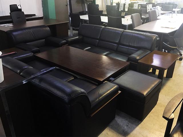 ousetsu8ten 愛知にて、オフィス家具 応接家具8点セットを買取致しました。