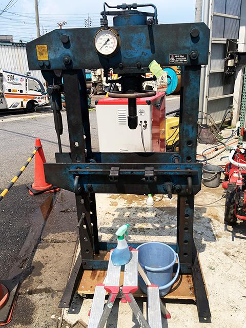 scp35 愛知にて、自動車工場から整備機械をまとめて買取致しました。