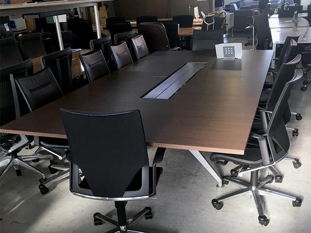 stealcase meetingtable 愛知にて、オフィス家具 スチールケース ミーティングテーブルを買取致しました。