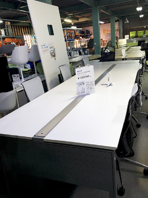 unitbase 岐阜にて、オフィス家具 オカムラ システムデスクまとめて買取致しました。