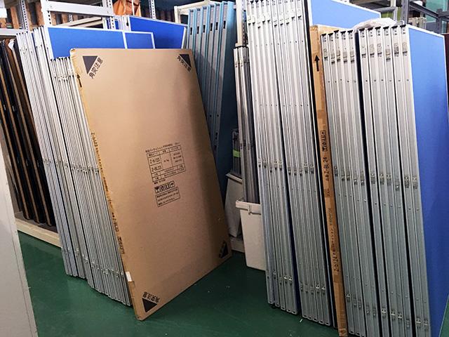 partition 岐阜にて、オフィス家具 布貼パーテーションをまとめて多数買取致しました。