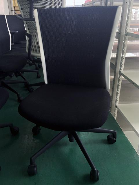 AA 10W 愛知にて、オフィス家具  ウチダ アクトディオチェアブラックをまとめて買取致しました。