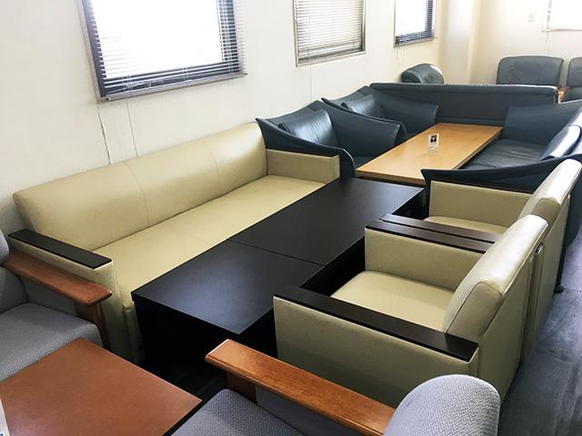 itoki ousetsu 岐阜にて、オフィス家具  イトーキ製応接5点セットをまとめて買取致しました。