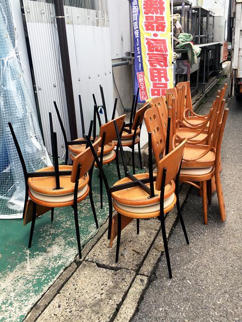 tenpo chair 三重にて、厨房機器 店舗用椅子、テーブルまとめて買取致しました。