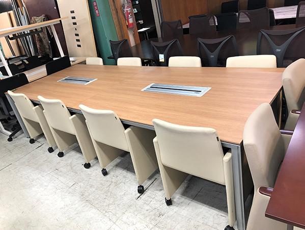 0531 1 愛知にて、ミーティングテーブルを買取致しました。