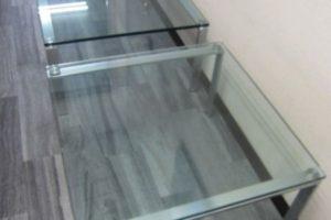 0906 glasstable 300x200 愛知のオフィス家具買取実績【無限堂】