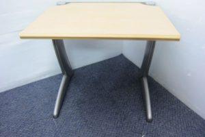 1001 desk 300x200 愛知のオフィス家具買取実績【無限堂】