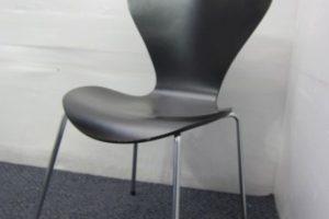 1017 chair 300x200 岐阜のオフィス家具買取実績【無限堂】