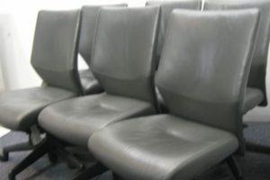 1105 leather 300x200 三重のオフィス家具買取実績【無限堂】