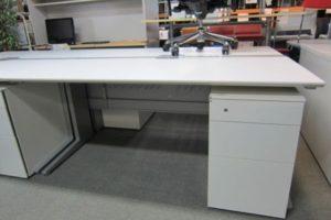 0114 desk 300x200 岐阜のオフィス家具買取実績【無限堂】